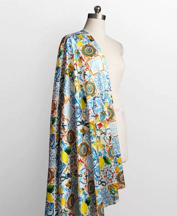 20191228 022659 Silk Stretch Fabric Sicily Show Fabric/Majolica Silk Fabric Catwalk 2