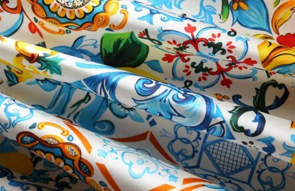 20191228 022807 Silk Stretch Fabric Sicily Show Fabric/Majolica Silk Fabric Catwalk 3