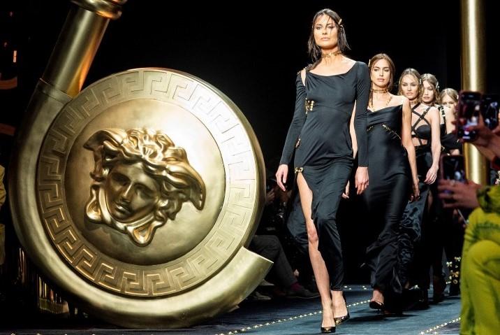 Versace1 VIDEO FASHION SHOW 4
