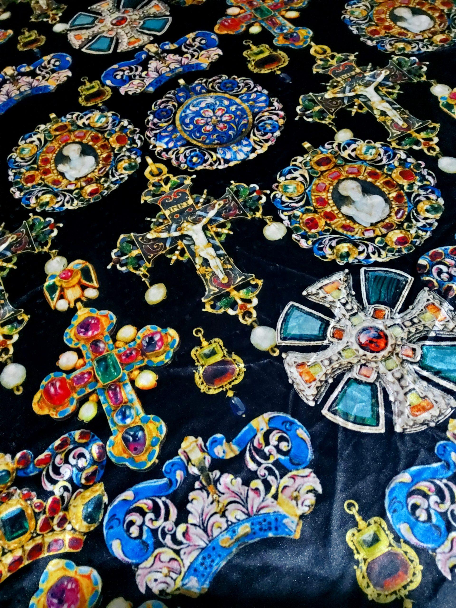 Art Meets Fashion Collection Italian Velvet Fabric Baroque Design Ancient Jewellery Christian Symbols Pattern Exclusive Fabric For Clothing Rozitta Rapetti