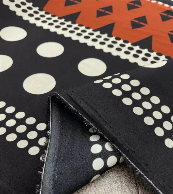 Valentino silk crepe de Chine fabric 2021 fashion week by preorder 2 ⋆ Rozitta Rapetti
