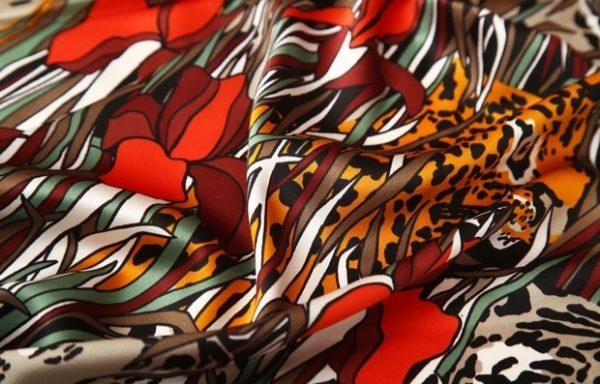 Gucci silk stretch satin tigers in jungles design